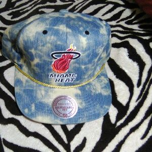 Miami Heat Mitchell & Ness snapback hat